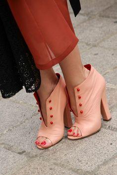 Fashion Week Paris - Low boots peep top - Cosmopolitan......very feminine