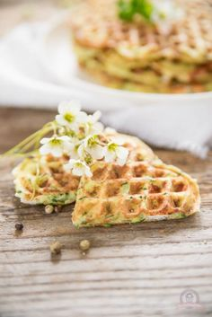 Feta - Zucchiniwaffeln Feta, Waffles, Baby, Low Carb, Zucchini Waffles, Savory Waffles, Waffle Iron, Snack Recipes, Food For Kids