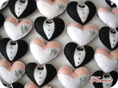 Recuerdos de feltro para noivos.