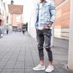 Yes or No? Via @gentwithstreetstyle Follow @mensfashion_guide for more! By @tobilikee #mensfashion_guide #mensguides