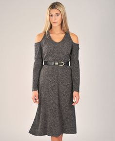 Ashland Sweater Dress in Black – THE dress for fall and winter. Accessorize with your favorite belt, boots, or scarf!