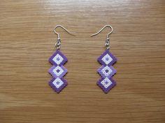 Pendientes rombos lilas entrelazados hama beads by Ursula