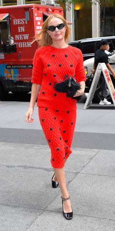 Who made Kate Bosworth's black ankle strap pumps, clutch handbag, red skirt, and beaded skirt? StyLe and FaSHion 2019 Fashion trends 2019 , Celebrity Outfits, Celebrity Style, Kate Bosworth Style, Fashion Dictionary, Red Carpet Gowns, Victoria Dress, Red Skirts, Maternity Fashion, Nice Dresses