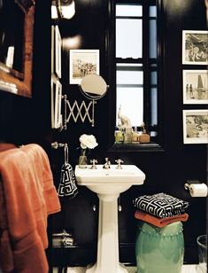 Bathroom Photo - A bathroom with black walls, a white pedestal sink, and a green garden stool--LOVE pictures in a powder room Bad Inspiration, Bathroom Inspiration, Interior Inspiration, Bathroom Ideas, Design Bathroom, Bathroom Interior, Bathroom Colors, Bathroom Renovations, Bathroom Photos