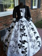 Stunning Black White Plus Size Civil War Dress/Tea Gown-like it Victorian Women, Victorian Fashion, Victorian Corset Dress, Vintage Dresses, Vintage Outfits, Tea Gown, Civil War Dress, Dress Ideas, Ball Gowns