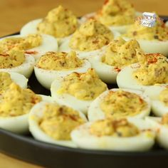 Super easy homemade deviled eggs recipe with bacon and onion - watch the video! Great for Easter! Super easy homemade deviled eggs recipe with bacon and onion - watch the video! Great for Easter! Recipes With Bacon And Onion, Bacon Recipes, Bacon Food, Recipes With Eggs, Finger Food Recipes, Soul Food Recipes, Crab Dip Recipes, Green Bean Recipes, Easy Appetizer Recipes