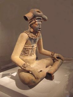 A young chieftain, terracotta, Early Classic Remojadas style, Classic Veracruz culture. ca. 300 - 600 AD