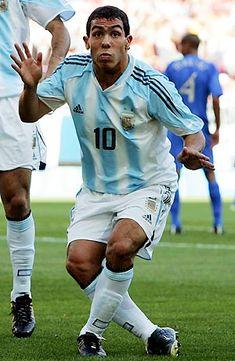 FÚTBOL. 2004. Carlos Tévez, goleador de #Argentina en los JJOO de Atenas.