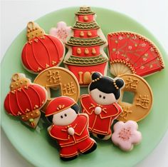 Make Chinese New Year Treats With Christmas Cookie Cutters (http://blog.hgtv.com/design/2014/01/30/make-chinese-new-year-treats-with-christmas-cookie-cutters/?soc=pinterest)