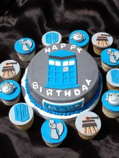 Who Cupcakes All accents and discs are fondant. 8 inch round cake frosted in gray butter cream. Syn Free Gravy, Dr Who Cake, Love Cupcakes, Cake Decorating Supplies, Round Cakes, Let Them Eat Cake, Cake Designs, Holiday Fun, Birthday Cake
