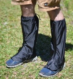 Ooooh really light weight gaiters! I could do with another small compact light pair for non winter stuff. ZPacks.com Ultralight Backpacking Gear - Challenger Gaiters