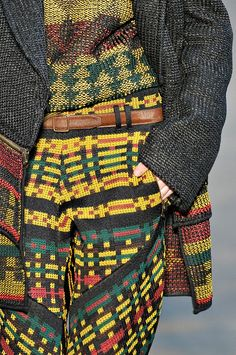 Bold Prints, Mixing Prints, Ugly Outfits, Knit Art, Proenza Schouler, African Fashion, Color Patterns, Ugly Clothes, High Fashion