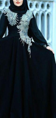 Hijab Fashion, Girl Fashion, Fashion Dresses, Maxi Dresses, Hijab Stile, Islamic Fashion, Beautiful Hijab, Girls Wear, Frocks