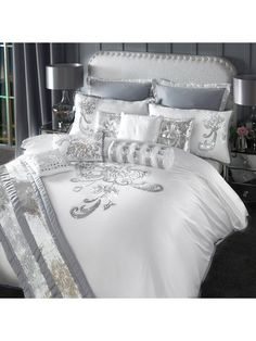 Turn your bedroom into a centre piece with the By Caprice Valeria Duvet Cover. This duvet cover features sequin floral design giving your room a very elegant and glamorous feel. Silver Bedroom, Glam Bedroom, Bedroom Decor, Luxury Bedding Sets, Bed Sets, Luxurious Bedrooms, Beautiful Bedrooms, Beautiful Beds, Bed Design