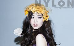 "Go Ara is ""stealing beauty"" in the October 2009 issue of Nylon Korea"