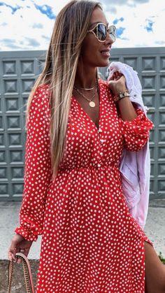 Red midi dress, floral midi dress, floral red dress, summer red dress, red dress, button detail long sleeve, long sleeve dress, long sleeve red dress Robes Midi, Pret A Porter Feminin, Floral Midi Dress, Dress First, Online Boutiques, Button Up, Fashion Online, Size 12, Wrap Dress