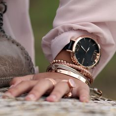 Bella Jewelry Store | Trend – Rosé Gold Oozoo watch with nice rose gold bracelets