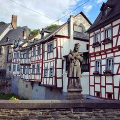 Monreal - The most beautiful village in the Eifel square - Monreal – The most beautiful village in the Eifel square - Eifel Germany, Luxury Campers, Beaux Villages, Belle Villa, Backpacking Europe, Family Outing, Skydiving, Italy Vacation, Nightlife Travel