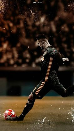 Cristiano Ronaldo Juventus - Cristiano Ronaldo the star of the Champions League - Cristiano Ronaldo Cr7, Cristinao Ronaldo, Cr7 Messi, Cristiano Ronaldo Wallpapers, Ronaldo Memes, Zec Efron, Cr7 Wallpapers, Ronaldo Photos, Ronaldo Football