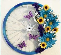 Floral Butterfly Bicycle Wheel Wreath For Spring Wreath Ideas For Your Front Door. Diy Spring Wreath, Spring Crafts, Wreath Crafts, Diy Wreath, Wreath Ideas, Diy Crafts, Wreaths For Front Door, Door Wreaths, Deco Floral