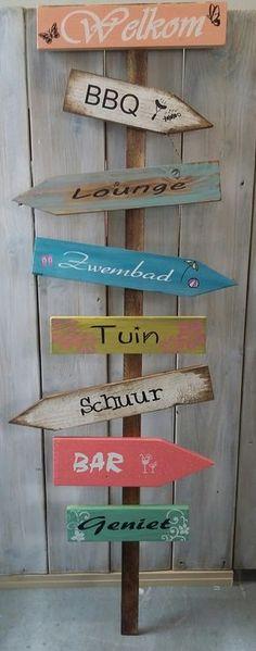 #Wegwijzer #Tuin #zomer #decoratie #handgemaakt #hippie #boho Www.opgekwast.nl