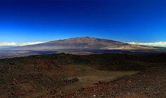 Tabandan doruk noktasına en yüksek dağ - Mauna Kea Eğer deniz içerisindeki taban noktasından doruk noktasına kadar ölçersek Hawaii'nin en büyük adasında yer alan Mauna Kea volkanı Everest Dağı'nın iki katı yüksekliğindedir.