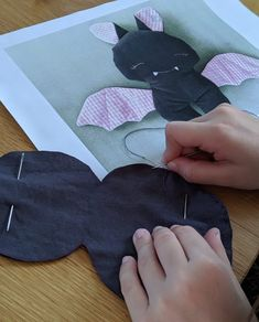 billepiz - Batman zum Kuscheln Batman, Kids Rugs, Hand Sewn, Cuddling, Heart, Handarbeit, Kid Friendly Rugs, Nursery Rugs