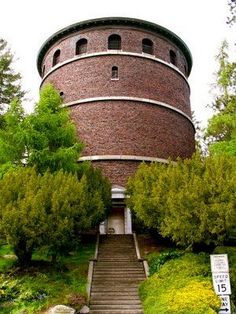Water Tower in Volunteer Park, has a 360° view of Seattle