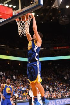 Klay Thompson of the Golden State Warriors shoots the ball against the Phoenix Suns on April 1 2018 at ORACLE Arena in Oakland California NOTE TO...