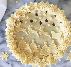 Christmas Pie with sleigh and reindeer Beautiful Pie Crusts, Pie Crust Designs, Pie Decoration, Pies Art, Christmas Cooking, Pie Dessert, Christmas Treats, Christmas Pies, Merry Christmas