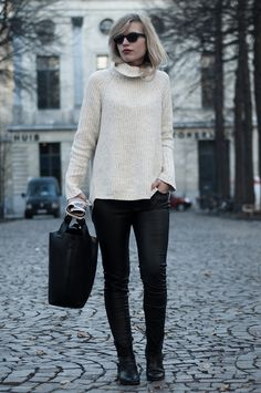 Red Reiding Hood 'Comfy in Antwerp'    #outfit #wearing #oversized #cream #nude #knit #knitted #turtleneck #fashion #blog #blogger #overszied #leather #pants #wayfarer #rayban #python #ankle #boots #snakeskin #flat #shopper #paper #newspaper #street #style