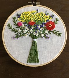 Pillow Embroidery, Embroidery Flowers Pattern, Learn Embroidery, Hand Embroidery Stitches, Embroidery Hoop Art, Ribbon Embroidery, Cross Stitch Embroidery, Sewing Crafts, Needlework
