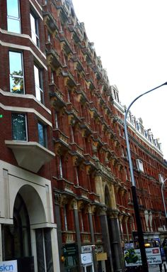 london, somewhere near buckingham gate street