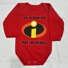 Body Vermelho - Eu tenho um pai incrível ❤️😍 #rejpersonalizados #Rejestamparia  #bodyvermelho #bodyinfantil  #bodybaby  #body #qualidade Body Baby, Onesies, Kids, Clothes, Instagram, Stamping, Pai, Rouge, Young Children