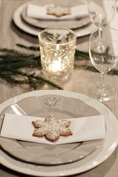Perfect home: Victoria ja Royal Norhill (? Christmas Kitchen, Christmas Time, Xmas, Holiday, Decoration Table, Table Settings, Candles, House Styles, Winter Wonderland