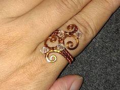 DIY Bijoux – Wire Jewelry Lessons – DIY – handmade jewelry tutorials – How to make Wa…… Handmade Jewelry Tutorials, Wire Jewelry Designs, Handcrafted Jewelry, Jewelry Crafts, Bijoux Fil Aluminium, Evil Eye Jewelry, Diy Rings, Beads And Wire, Copper Jewelry