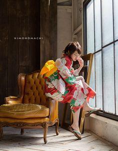 浴衣set12:緑色桜楓 Yukata Kimono, Kimono Japan, Japanese Kimono, Japanese Outfits, Japanese Fashion, Asian Fashion, Traditional Fashion, Traditional Outfits, Cool Poses