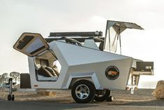 Polydrop is an ultralight travel trailer with futuristic shape; excellent insulation and off-road option makes it ideal for escape from daily life Small Camper Trailers, Off Road Camper Trailer, Truck Camper, Travel Trailers, Camper Van, Teardrop Caravan, Teardrop Camping, Teardrop Trailer, Camping 3