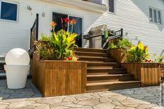 19 Ideas For Backyard Patio Slab Decks Backyard Covered Patios, Backyard Bar, Modern Patio Doors, Patio Stairs, Patio Roof, Patio Deck Designs, Raised Patio, Landscaping Retaining Walls, Patio Layout