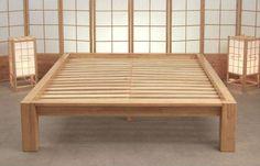 Estructura de la cama Tokyo, de madera de Hevea.                              …