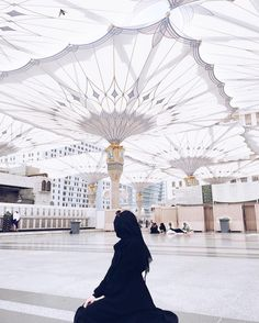 "595 Likes, 4 Comments - Brenda Tiara (@brendatiara) on Instagram: ""Mosque of the Prophet Muhammad 💛 dont wanna leaavee this magical place"""