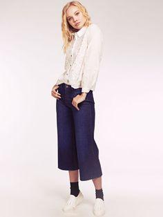 Dahlia Christie White 3D Embroidery Collared Blouse Collar Blouse, Dahlia, Collars, 3d, Embroidery, Pants, Fashion, Trouser Pants, Moda