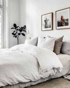 Home Interior Salas 44 Modern And Simple Bedroom Design Ideas bedroom Interior Salas 44 Modern And Simple Bedroom Design Ideas bedroom Room Ideas Bedroom, Cozy Bedroom, Scandinavian Bedroom, Master Bedroom, White Bedroom, Master Suite, Simple Bedroom Design, Bedroom Designs, Zen Room