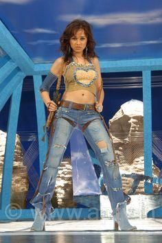 Priyanka Kotari, Nisha Kothari  (2007?)