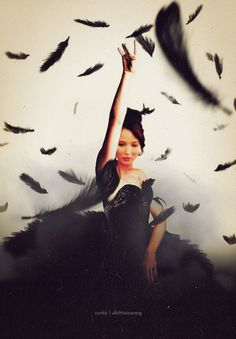 """Cinna has turned me into a Mockingjay.""                                                                                                                                                      Más"