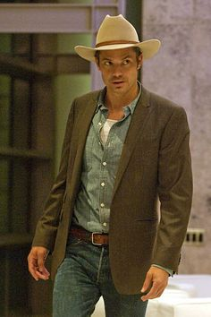Timothy Olyphant - he wears that hat well