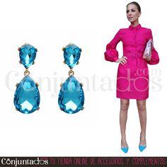 Pendientes Sophie ★ 13'95 € en https://www.conjuntados.com/es/pendientes-sophie-con-lagrima-de-cristal-azul.html ★ #pendientes #earrings #conjuntados #conjuntada #joyitas #lowcost #jewelry #bisutería #bijoux #accesorios #complementos #moda #eventos #bodas #invitadaperfecta #perfectguest #fashion #fashionadicct #fashionblogger #blogger #picoftheday #outfit #estilo #style #streetstyle #spain #GustosParaTodas #ParaTodosLosGustos