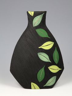 Jacqui Atkin - find her in the Abbey at Earth & Fire 2015 Painted Glass Bottles, Glass Bottle Crafts, Wine Bottle Art, Painted Jars, Glass Painting Designs, Pottery Painting Designs, Pottery Designs, Painted Plant Pots, Beton Design