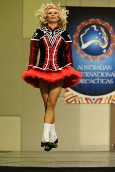 Irish Dance: Australian International Oireachtas 2014 Irish Step Dancing, Irish Dance, At Home Workout Plan, At Home Workouts, Kelly Green, Dance Costumes, Ballet Dance, Ireland, Diva