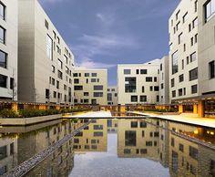 Emre Arolat Architects tarafından tasarlan Tekfen Kağıthane OfisPark, Mersin Marina ArkiPARC Gayrimenkul Ödülleri Karma Kullanım Kategorisi Finalistleri arasında yer alırken aynı zamanda 2011 yılının ARKİV Seçkileri'ne de girmeyi başarmış bir proje.